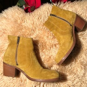 A.P.C  ANNA ANKLE BOOTS MUSTARD YELLOW SUEDE 38